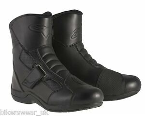Alpinestars Ridge Waterproof Motorcycle Ankle Boot No Zip-laces easy to put on