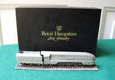 More details for queen elizabeth - royal hampshire miniature railway train pewter boxed ornament