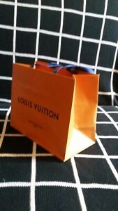 LOUIS VUITTON, sacchetto originale cm.25x21-