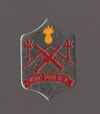 Pin's bateau de guerre / Blason écusson du navire Mount Baker AE 34