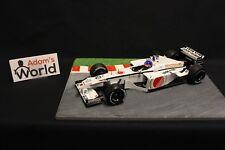 Minichamps BAR Honda 03 2001 1:18 #10 Jacques Villeneuve (CAN) (F1NB)