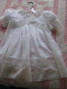 VTG ANTIQUE CHILDS WHITE LACE DRESS ROMANTIC WEDDING.FLOWER GIRL DOLL  FULL