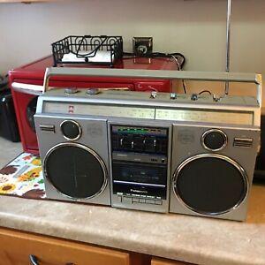 Vintage Panasonic boombox