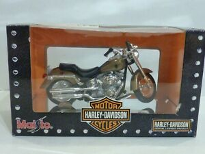 Harley-Davidson  FLSTFI  Fat  boy  2004  Maisto  1/18