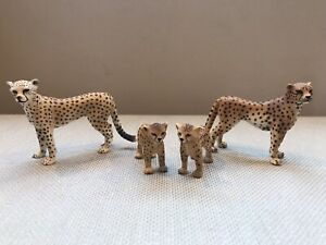 SCHLEICH LOT Of FOUR 4 CHEETAHS Adults and cubs