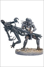 CELTIC PREDATOR THROWS ALIEN action figure set~McFarlane Toys~Aliens vs~Avp~NIB