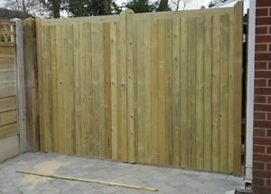 WOODEN TANALISED / TREATED PAIR OF DRIVEWAY GATE'S