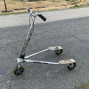 Trikke 8 3CV Adult 3 Wheel Carving Scooter Camberine Vehicle - Local Pickup