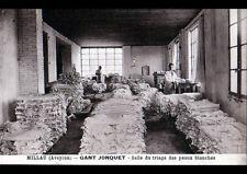 """MILLAU (12) USINE de GANTS """"JONQUET"""" OUVRIERS au TRIAGE des PEAUX vers 1920-1930"""