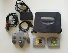 Nintendo 64 Konsole N64 schwarz mit 2 Spielen und 1 Controller grau
