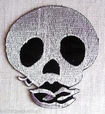 ÉCUSSON  PATCH thermocollant - TÊTE de MORT ** 8 x 9 cm ** Applique à repasser