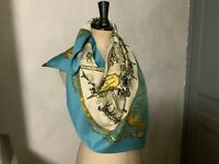 Authentique foulard HERMÈS  PARIS Rare  ( La Promenade De Longchamps )100 % Soie