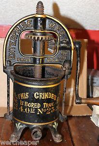 AWESOME ENTERPRISE SAUSAGE STUFFER FRUIT LARD WINE CIDER PRESS NO. 25 4 QT LAMP