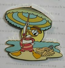 2004 Disney Auctions DONALD DUCK AT BEACH Bathing Suit Hat Picnic Umbrella Pin