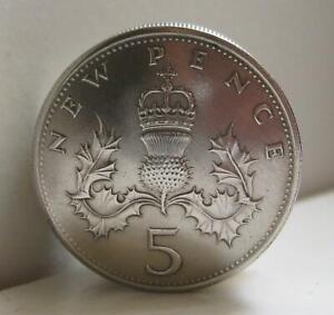British Five Pence Screw Lid Coin Snuff Box / Pill Box / Birth Year Keepsake