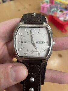 FOSSIL JR1068 Men's with Leather Bund Band And New Battery