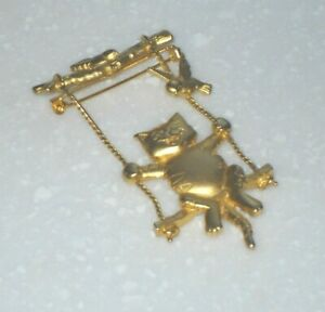 Superb Vintage Gold Tone Brooch Signed JJ Cat On Swing With Birds Gorgeous