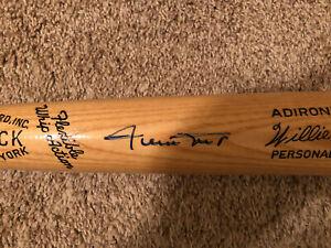 Willie Mays signed name model baseball bat