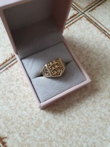Yellow Gold 9ct Three Lions England Ring 6.5 grams