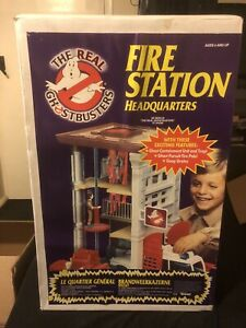 Vintage Kenner The Real Ghostbusters Fire Station Headquarters with Box. New!