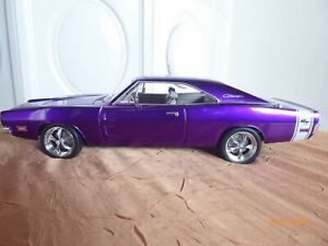 HotWheels Mattel Dodge Charger DCC Violett 1:18 (O1449)