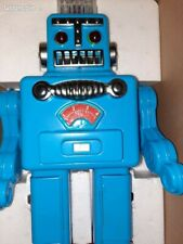 SUPERBE Smoking robot spaceman neuf : un robot qui fume et qui avance