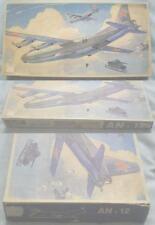 Veb Plasticart AN-12 Flugzeug Modellbaukasten 1:100 Military Version