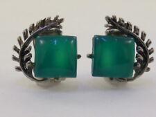 Vintage Retro Emerald Green Glass & Leaf Design Silver Tone Clip On Earrings