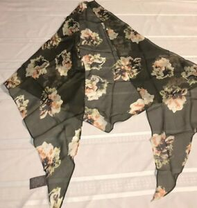 """$58 Women/'s  silk  Scarf Vince Camuto navy Green  square 35/"""" #540"""