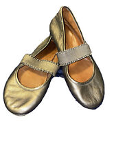 Gentle Souls by Kenneth Cole Women's Gabby Mary Jane size 8.5 bronze flats Gold