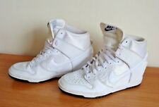 LADIES WHITE  BOOT / TRAINERS SIZE 6  NIKE