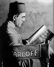 AWESOME CLASSIC THE MUMMY- BORIS KARLOFF READS SCRIPT FOR THE MUMMY 8X10 PHOTO