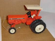1/16 Allis Chalmers 185 Tractor W/Duals by SpecCast W/Box! Nashville Show 1995!