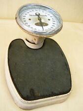 Bella Antico Bilance fino 125 kg, da Studio Medico Oggetto D'Antiquariato,