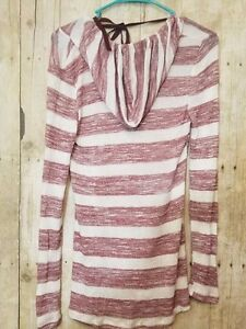 Derek brand Light weight striped hooded shirt size small burgundy and white