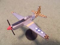 Built 1/100: American NORTH-AMERICAN P-51D MUSTANG Fighter Aircraft