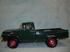1/18 SCALE DICAST 1959 FORD F-250 4X4 PICK UP IN GREEN BY YAT-MING.