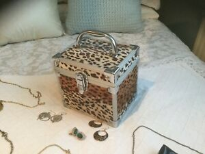 Girls Vanity Case / Treasure Chest / Jewellery Box / Storage Box / Make Up