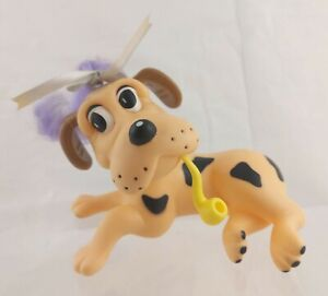 Hornby Puppy Care Cream-colored Dog w/ Black Patches, with Yellow Pipe Accessory