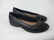 A PAIR OF LADIES BLACK LEATHER SLIP ON  SHOES  CLARKS SIZE  UK 4D.