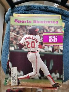 10/18/71 SPORTS ILLUSTRATED WITH FRANK ROBINSON WORLD SERIES ISSUE    GROBEE1957
