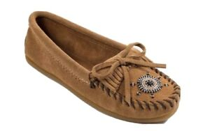Minnetonka Moccasins 407J - Women's Me To We Moccasin - Taupe Suede size 8