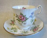 Vintage PARAGON Fine Bone China ENGLAND TEA Footed CUP Saucer ENGLISH 💐 FLOWERS