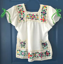 true Vintage 70's Mexican Floral Embroidered Boho Hippie Yarn Sm/Med Top white