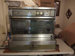 Frigidaire Flair Custom Imperial Double Oven Excellent Condition Pick up only