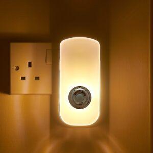 Auraglow Plug In PIR Motion Sensor LED Night Light Hallway & Emergency Torch