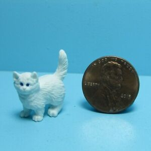 Dollhouse Miniature Small White Cat Kitten Standing MUL6022