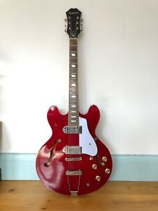 Epiphone Casino CH Guitar in red - hollow body