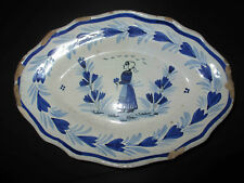 ancien plat faïence peinte paysanne au bouquet de fleurs Breton Quimper XIX ème