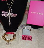 3 PC BETSEY JOHNSON STUNNING CRYSTAL PINK WING DRAGONFLY EARRINGS CUFF BRACELET